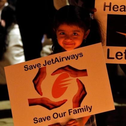 jet-airways-employee-e1556467740995.jpg